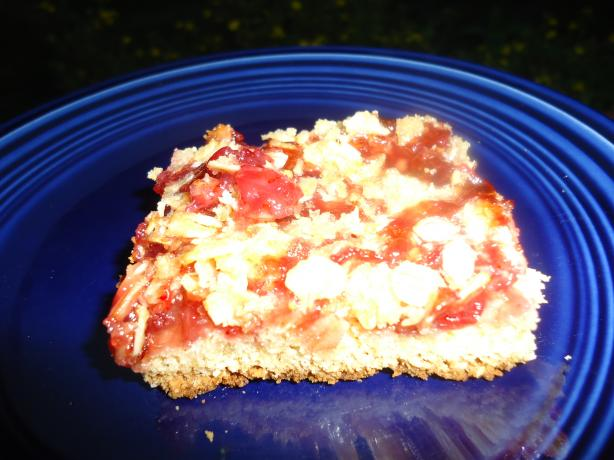 Norwegian Lingonberry Cake With Streusel Topping