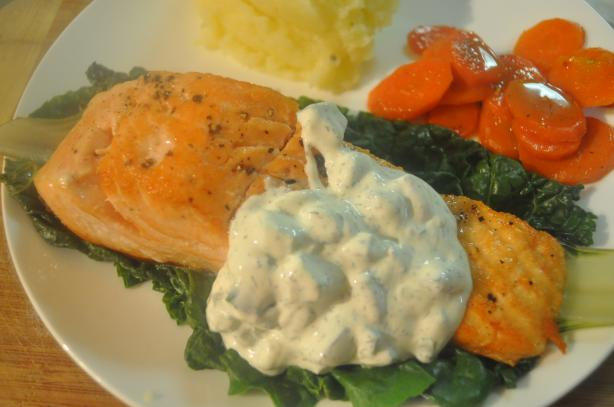 Grilled Salmon With Tangy Cucumber Sauce