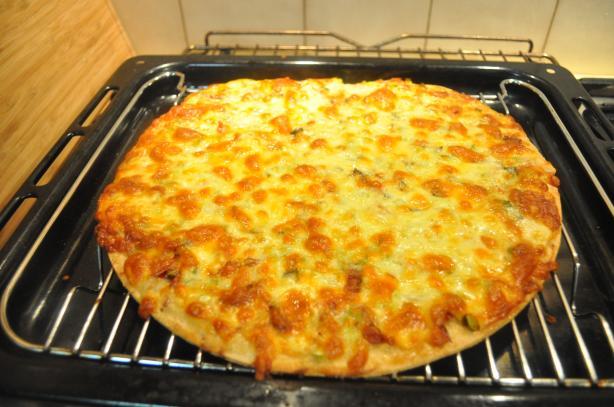 Alfredo Prosciutto Pizza