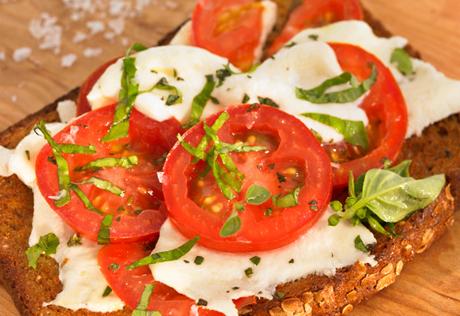 Range-Top Margherita-Style Pizza