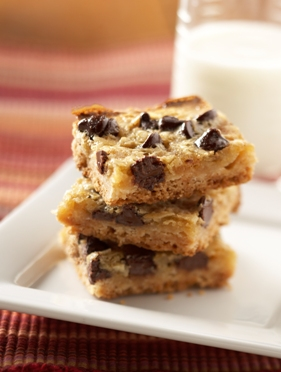 Raisin-Date-Nut Bars with Chocolate Chunks