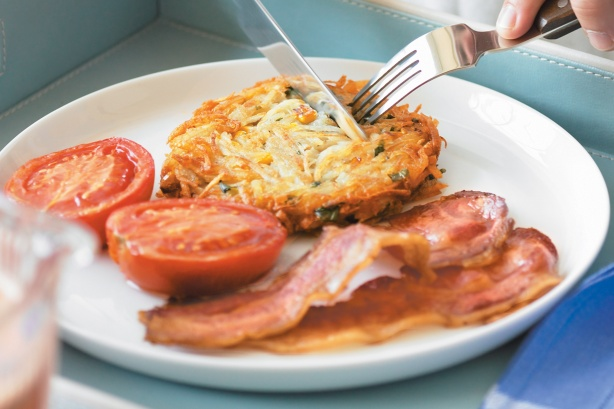 Hash browns with bacon and roasted tomatoes