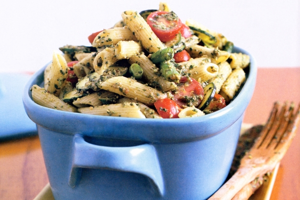 Pasta and vegetable salad with basil dressing