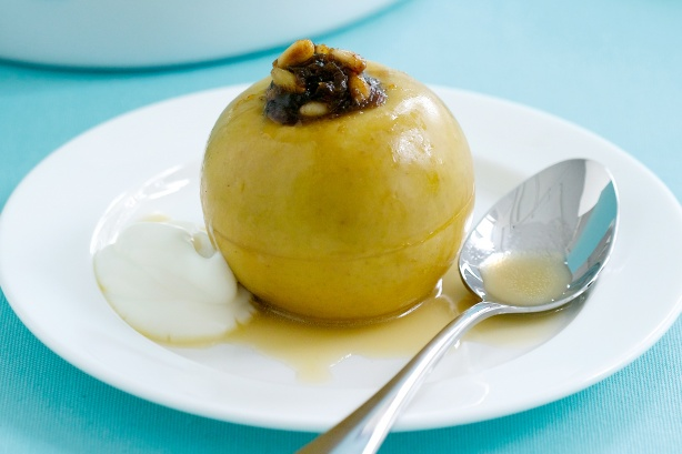 Baked apples stuffed with dates and cinnamon