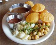 Paani puri with sauces