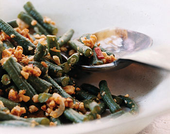 Spicy Stir-Fried Chinese Long Beans with Peanuts