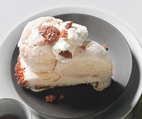 Peach Ice Cream Pie with Amaretti Cookie Crust