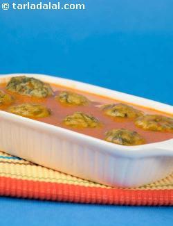 Paneer Palak Koftas In Makhani Gravy ( Fast Foods Made Healthy Recipe)