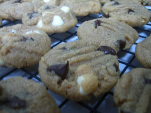 Easy Peanut Butter Chip Cookies