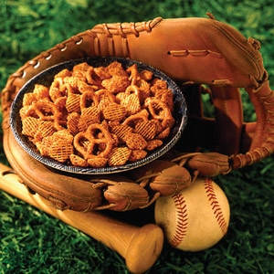 Crispix Mix® Take Me to the Ball Game