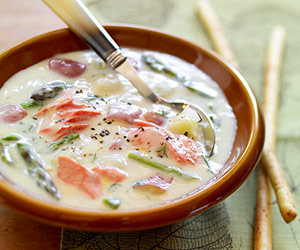 Great Lakes Salmon Chowder