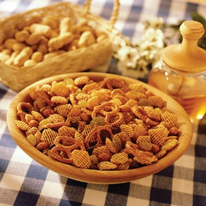 Kellogg's® Honey Crispix® Snack Mix