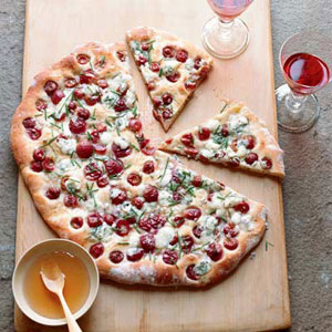 Rosemary Flatbread with Blue Cheese, Grapes, and Honey