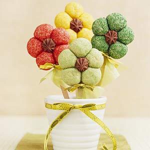 Easy Flower Cookies On Sticks