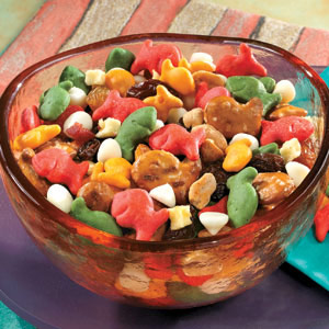 Holiday Goldfish® Party Mix