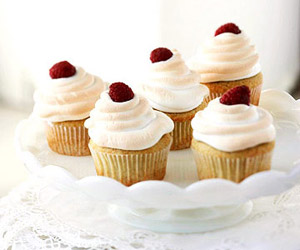 Meringue-Topped Raspberry Cupcakes