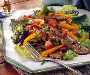Stir-Fried Beef and Pepper Salad