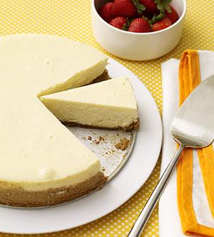 Raspberry-Mint Swirl Cheesecake
