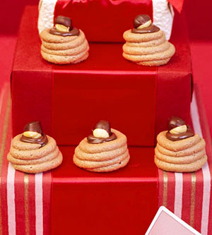 Chocolate-Hazelnut Meringues