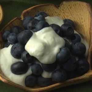Blueberries with Lemon Cream