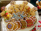 Gingerbread People Holiday cookie projects: White snowflakes, dreidel trios, and ornaments