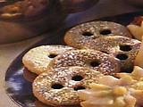 Drei Augen (German Shortbread Sandwich Cookies)