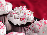 Red Velvet Cupcakes with Fluffy Meringue Icing