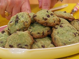 Mint Chocolate Chip Cookies with Ice Cream