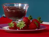 HG Hot Couple: Chocolate-Dunked Strawberries