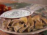 Cucumber Yogurt Dip with Pita Chips