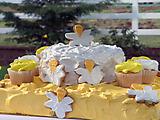 No-Bake Daffodil Cake