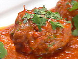 Cauliflower-Stuffed Meatball Ragout in Spicy Tomato Sauce (Tunisian Mubattan Bruklu)