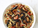 Spaghetti With Mussels and Bacon