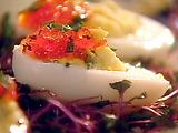 Eggs Stuffed with Caviar: Yaitsa Farshirovanniye Krasnoy Ikroy