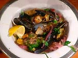 Steamed Mussels with Chicory: Cozze con Cicoria