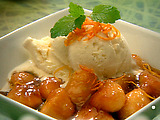 Bananas with Orange and Rum Caramel