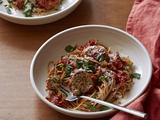 Turkey Meatballs with Quick And Spicy Tomato Sauce and Whole-Wheat Spaghetti