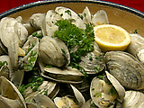 Steamed Clams with Fresh Mint