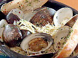 Linguini with Clams and Garlic Butter Sauce