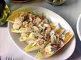 Edivias Con Brana, Naranjas y Almendras Endives with Oranges, Almonds and Goat Cheese