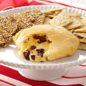 Phyllo-Wrapped Brie with Sun-Dried Tomatoes Recipe