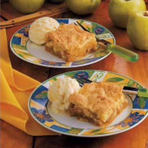Cake-Topped Apple Cobbler Recipe