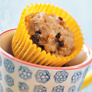 Banana Date-Nut Mini Muffins Recipe