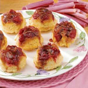 Rhubarb Sticky Buns Recipe
