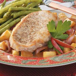 Apple-Onion Pork Chops Recipe