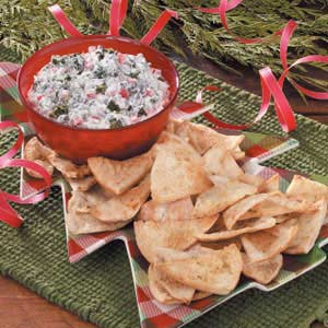 Spinach Dip with Cajun Pita Chips Recipe