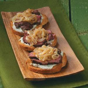 Blue Cheese-Onion Steak Bites Recipe