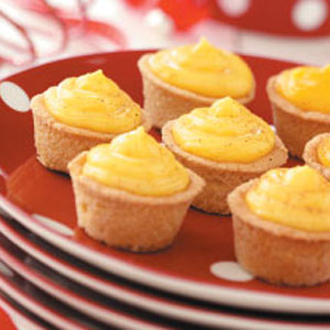 Eggnog-Filled Cookie Cups Recipe
