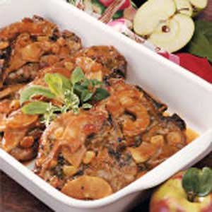 Apple-Smothered Pork Chops Recipe