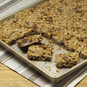 Gluten-Free Oatmeal Chip Bars Recipe